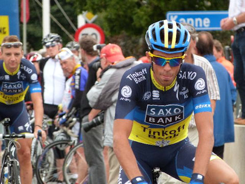 Contador rolls out for Stage 3 of the Eneco Tour