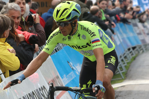 Contador reaches for support after steep Basque Stage 2 finale
