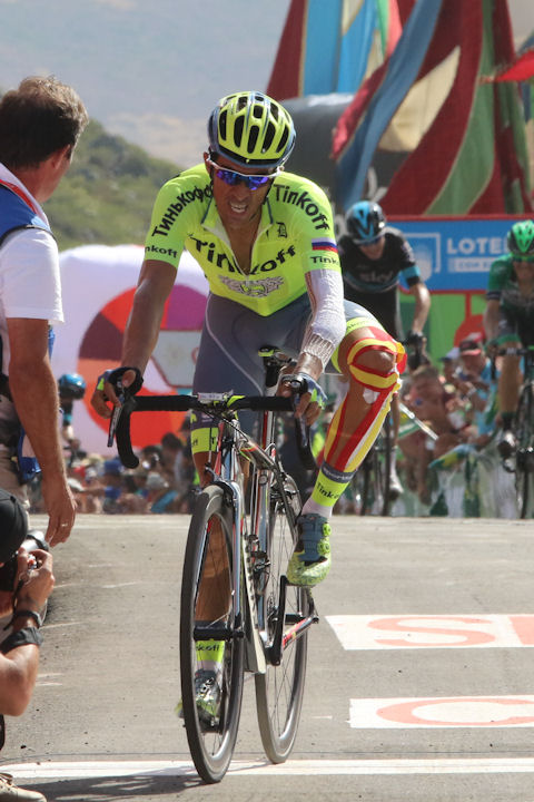 Contador drops Froome in pursuit of Nairo on La Camperona